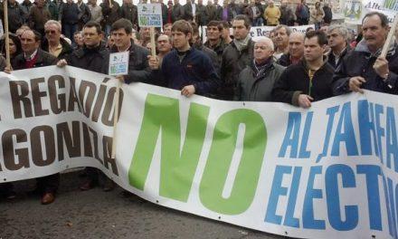 Manifestación de regantes contra el tarifazo (miércoles, 26)