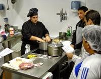 Curso de cocina para singles y solteros en la Escuela Azafrán (martes a jueves, del 10 al 12 de marzo)