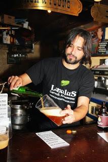 Cata de cervezas artesanas y picoteo en Juan Sebastián Bar (todos los sábados)
