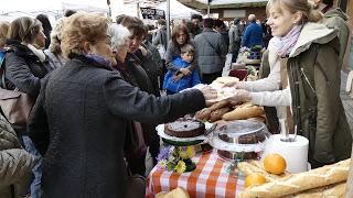 Mercado de productos de temporada (domingo, 17)