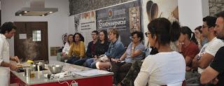 VILLANÚA. Curso de cocina festiva: fusión Aragón-Asia (jueves, 14)
