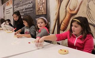 VILLANÚA. Taller de roscón de Reyes para niños (jueves, 4)