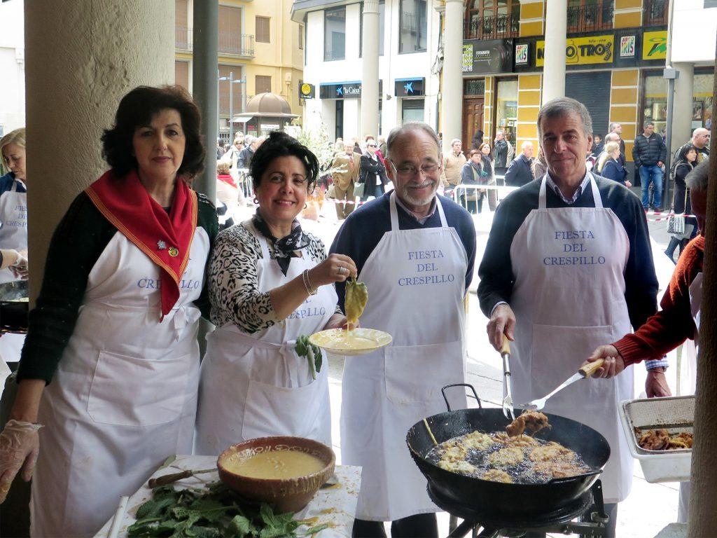 Joaquín Coll era habitual en la fiesta del crespillo de Barbastro. FOTO: Gastro Aragón