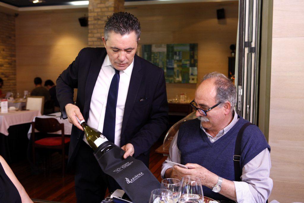 Los restaurantes, como El Foro, repartieron 2000 botellas de vino. FOTO: Cortesía DOP Cariñena