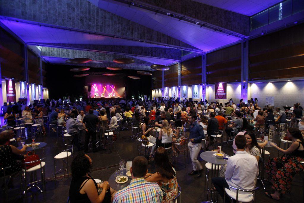 El Auditorio de Zaragoza acogió los dos conciertos con degustaciones. FOTO: Cortesía DOP Cariñena.