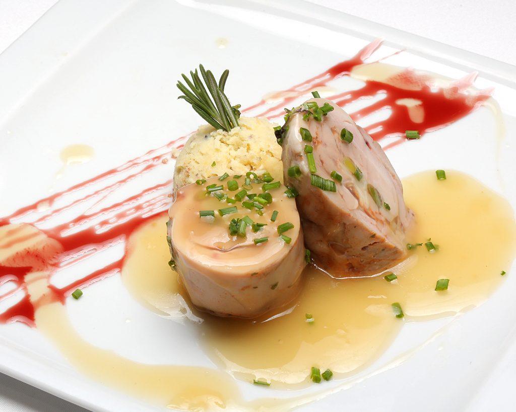 20-02 LA-BODEGA-DE-CHEMA_delicias-de-pollo-con-ajetes-y-queso-pirineo