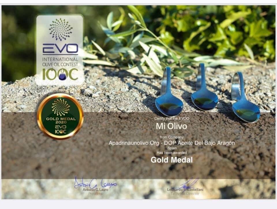 Apadrina un olivo medalla Italia