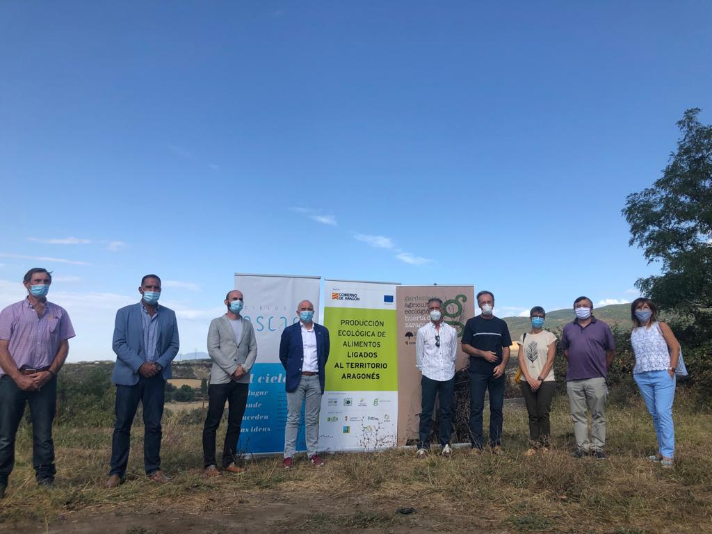 Representantes del grupo de trabajo del proyecto Producción Ecológica de Alimentos ligados al Territorio Aragonés, en Cielos de Ascara