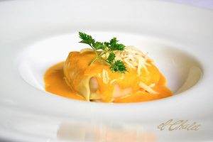 CHALET ravioli-de-centollo-y-marisco-pasta-fresca-y-crema-de-cigalas