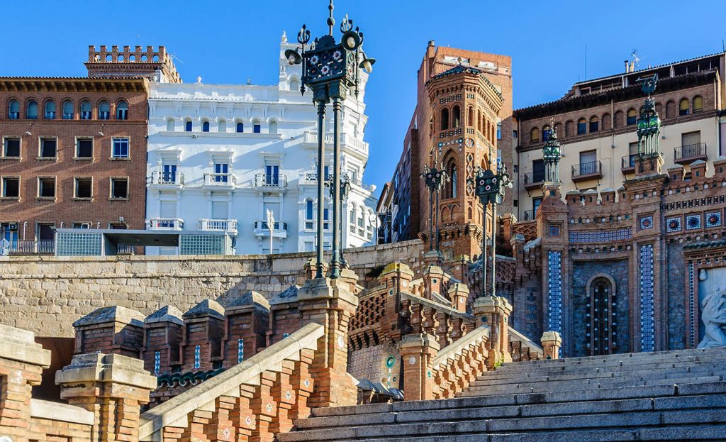 visita-guiada-en-teruel-escalinata-blog-1315x800